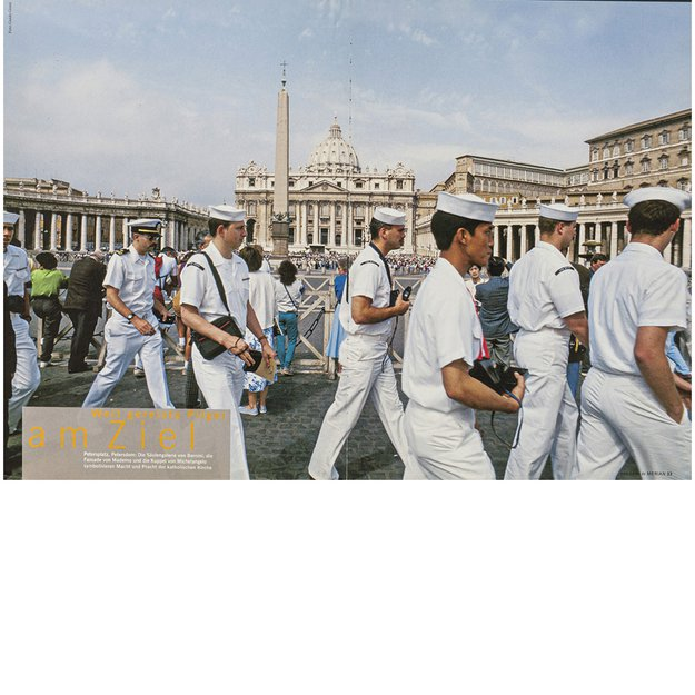 Group of sailors at Piazza San Pietro, Città del Vaticano